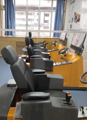 叉车模拟机室